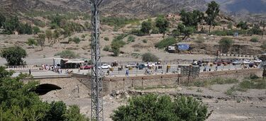 Torkham Border crossing at Pak-Afghan border.jpg
